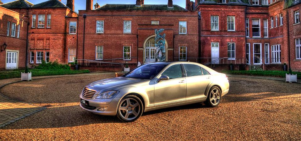 Mercedes s class hire london for Mercedes benz service hempstead